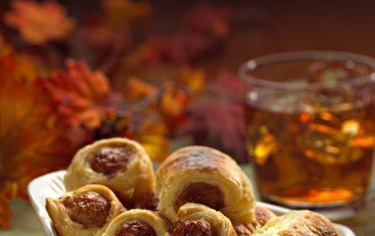 Fagottini alla salsiccia - Ricetta per preparare i fagottini alla salsiccia, uno stuzzichino delizioso e facile che potete portare con voi per il pic nic di Pasquetta.