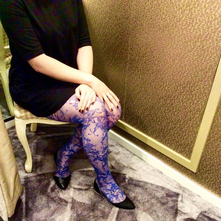 Colourful Oroblu tights are perfect for the British Summer rainy days #fbloggers #instalingerie #boutique #tights #mondaymorning #style