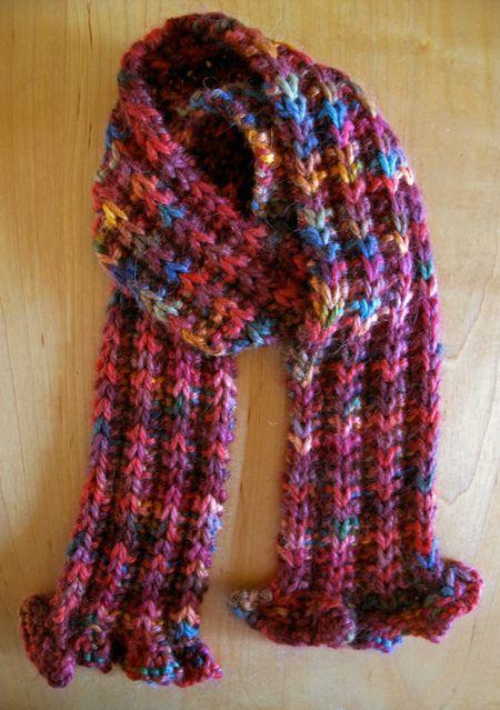 Ruffle Scarf Knitting Pattern Easy : 1000+ ideas about Ruffle Scarf on Pinterest Crochet ruffle scarf, Ruffle ya...