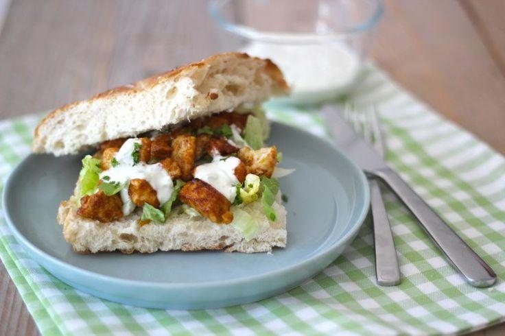 Heerlijke lunch of snel avondeten: Turks brood met kipshoarma en tzatziki!