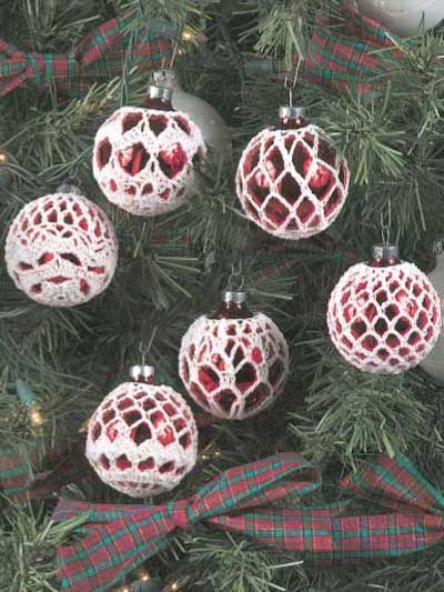 I love making these.  They look great on clear balls with green or red or even metalic yarns.