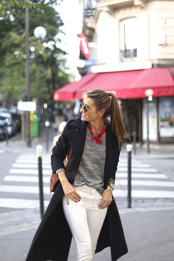 SMILING IN PARIS (b a r t a b a c)   Parisian chic style, Parisian outfits, Paris outfits
