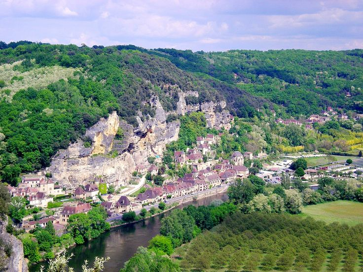 Amazing views of riverside gem, La Roque Gageac, from the lookout at Marqueyssac Gardens.