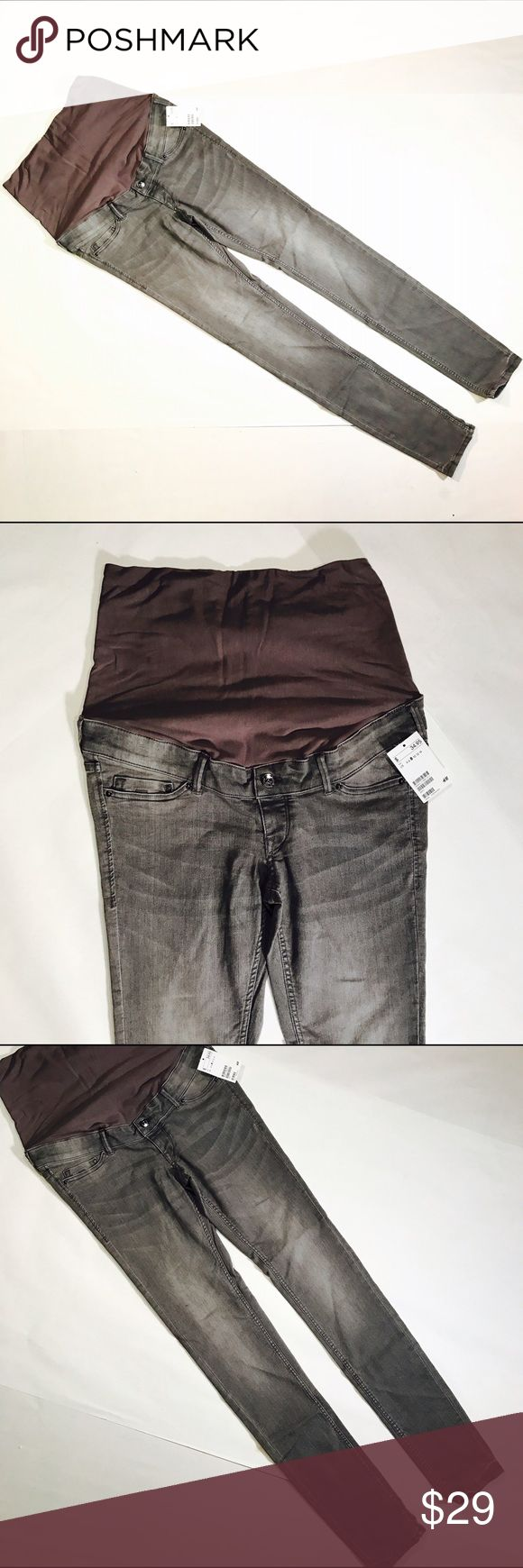 """👶🏼 H&M 👶🏼 MAMA SKINNY HIGH DENIM Cutest mama jeans I have ever seen! CONDITION: NWT, no issues  CHEST: WAIST: 32"""" LENGTH: 48"""" INSEAM: 32.5"""" *All measurements taken while item is laid flat (doubled when necessary) and measured across the front  MATERIAL: cotton polyester elastase  STRETCH: yes INSTAGRAM @ORNAMENTALSTONE 🚫Trading  🚫Modeling H&M Pants Skinny"""