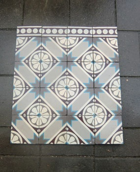 beautiful antic floors in jugendstil or art-deco style