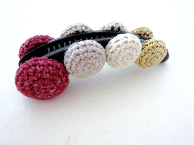 banana clip / pince banane à cheveux avec des boutons recouverts crochetés : rose : Accessoires coiffure par yoyotricot