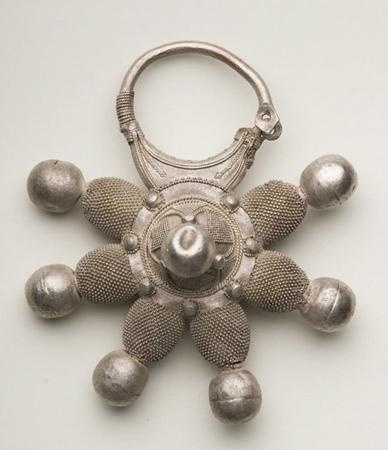 Pendant, Rus, the 12th-early 13th century. Silver, smithery, soldering, niello.