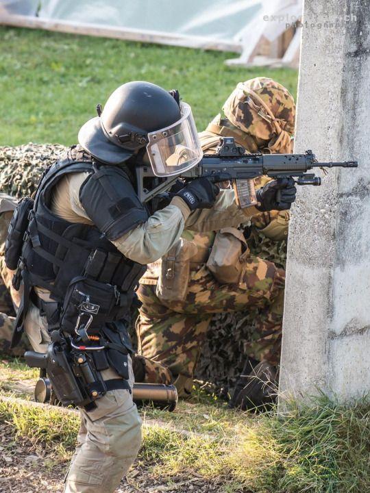 Operator Of Swiss Dard With Grenadiers Of Swiss Army