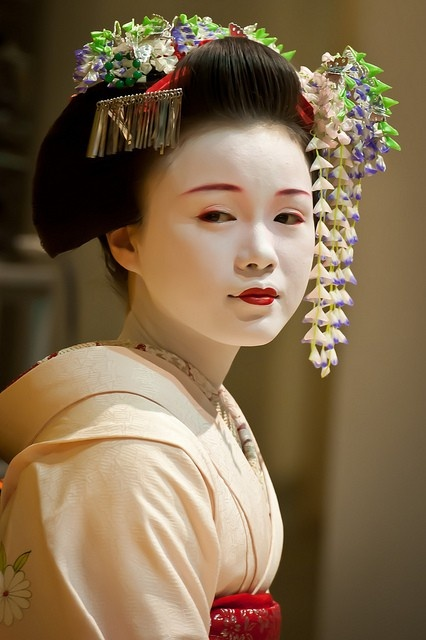 Traditional Geisha Hairstyles Www Imgkid Com The Image