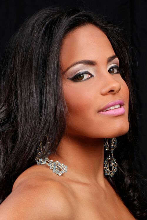 dominican hair styles 57 best images about hairstyles and colors on 1535 | 377f334fc64661785fa42c93e2ee1854 dominican republic pageants