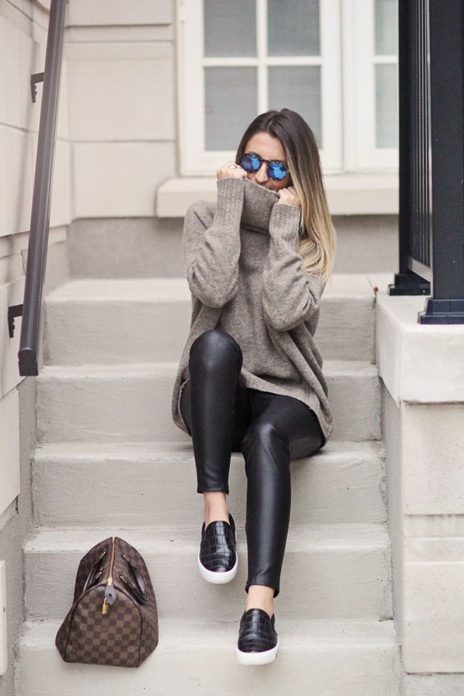Leather legging with an oversize pullover. Shop the fall fashion at Trendslove. http://www.trendslove.com/