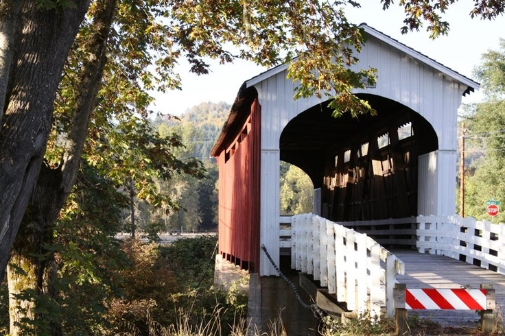 Eugene, Oregon: Covered Bridges and River Views and the University of Oregon. http://www.princetonreview.com/schools/1023558/college/university-oregon