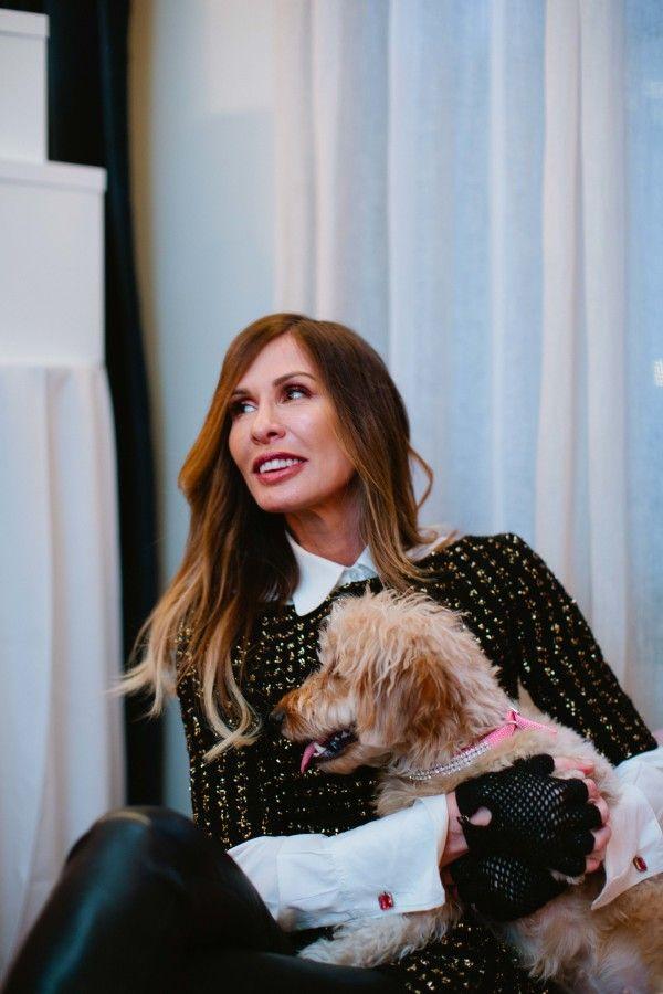 Carole Radziwill + Baby at Instagram stars ToastMeetsWorld™ + FriendsofFinn wedding:  http://www.stylemepretty.com/2016/01/15/that-time-we-went-to-a-dog-wedding/   Photography: Betsi Ewing - http://betsiewing.com/