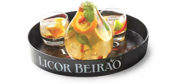 Sangria com Licor Beirão. Uma bebida que aparece em todas as ocasiões festivas.