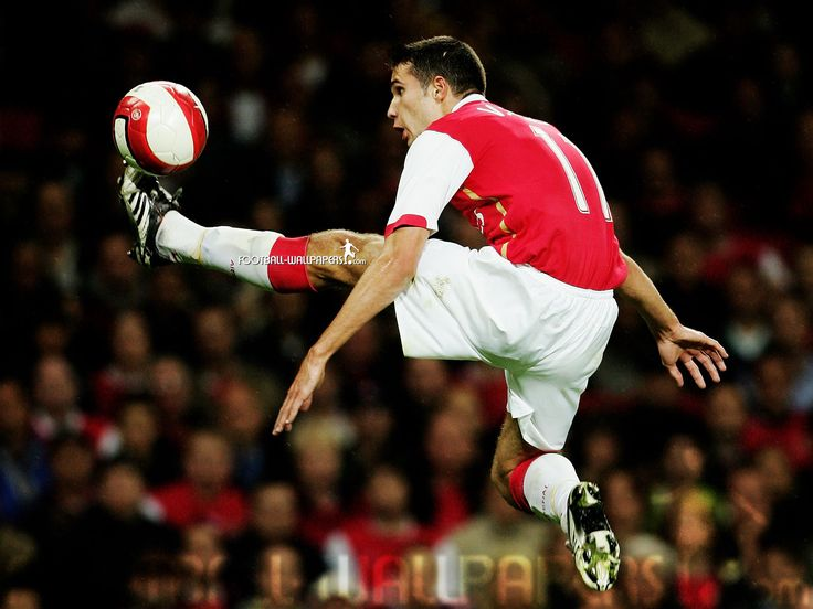 Arsenal and Netherlands forward Robin Van Persie  from football-wallpapers.com
