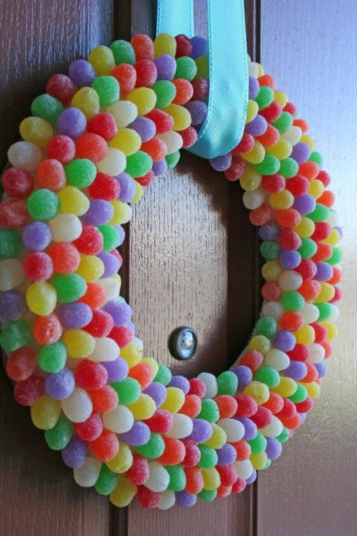 Christmas candy crafts for kids, how to make a gumdrop wreath with a Styrofoam wreath