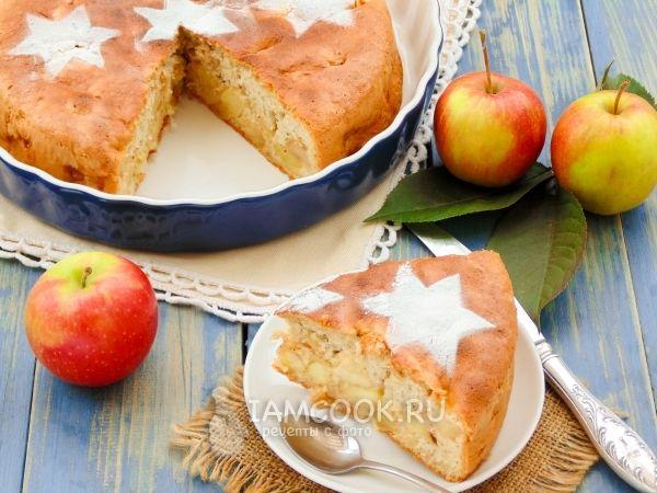 Пирог «Шарлотка» с яблоками в духовке