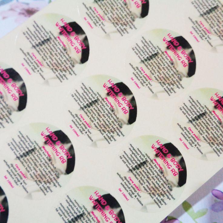 Print Stiker Produk dan Cutting. Bahan stiker transparant