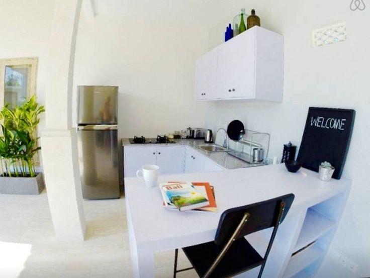 Unique Fully equipped kitchen u breakfast bar with fridge freezer gas hob toaster K che thekenGasherdBen tigen