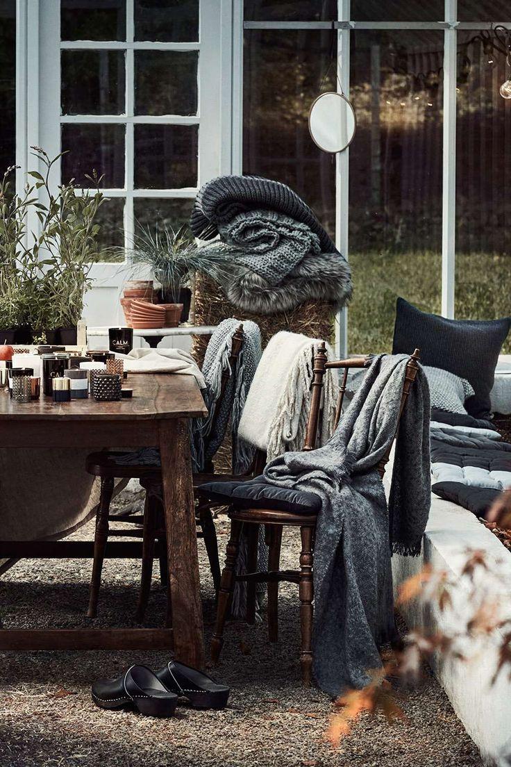 ber ideen zu dunkle decke auf pinterest decken. Black Bedroom Furniture Sets. Home Design Ideas