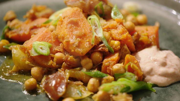 Tajine van zoete aardappel en wortel met yoghurt 'massala'   Dagelijkse kost