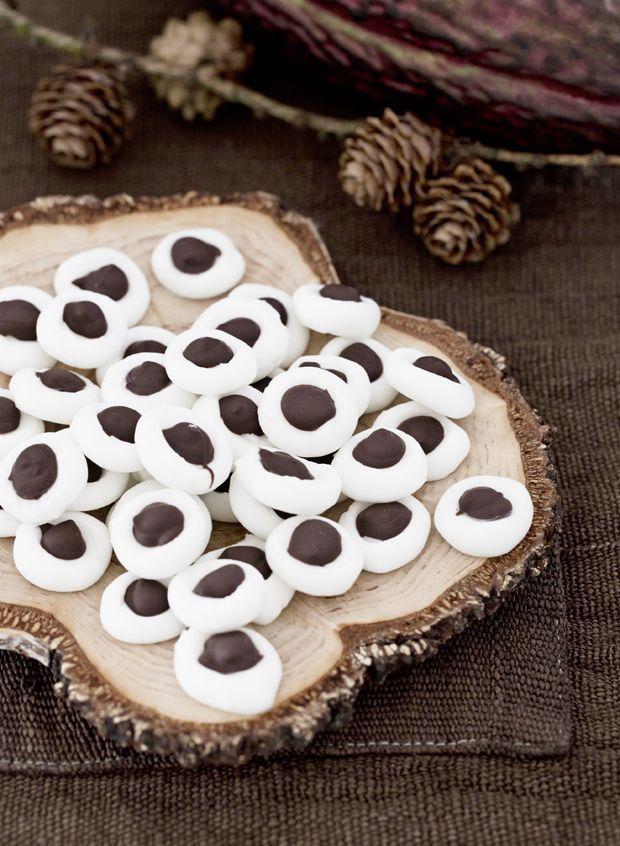 Hjemmelavede pebermyntepastiller med chokolade