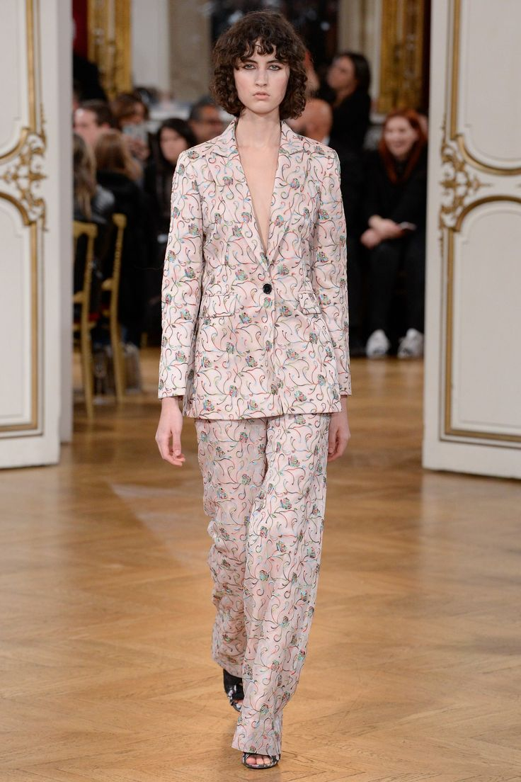 Paul & Joe Fall 2017 Ready-to-Wear Collection Photos - Vogue