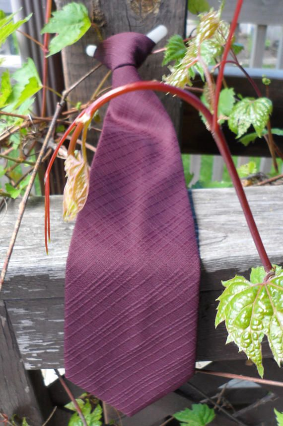 Vintage 1960s THUNDERBIRD Brand Clip On Tie/Deep Maroon Brown Tie/Clip on Tie for Men/Vintage Clip On Cravat/Clip to Shirt Pre-knotted Tie