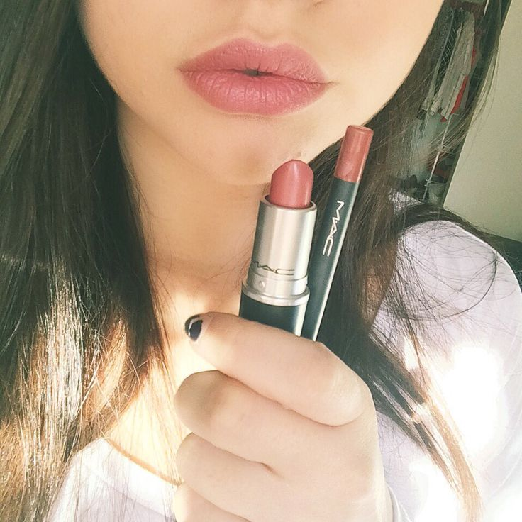 MAC Velvet Teddy lipstick and MAC Pro Longwear lip pencil in Staunchily Stylish
