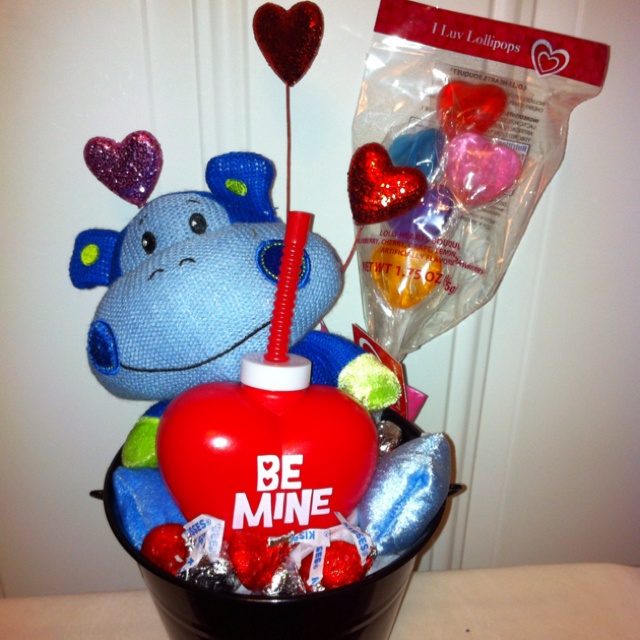 Kids Valentine Basket.