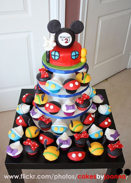 Mickey Mouse Clubhouse TV show cupcakes by TheCakingGirl, via Flickr