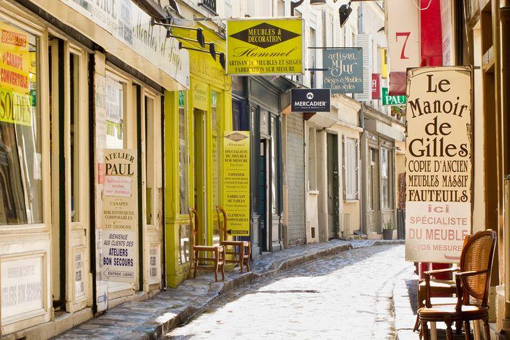 Passage du Chantier-Lined with furniture repair shops-Paris 12eme