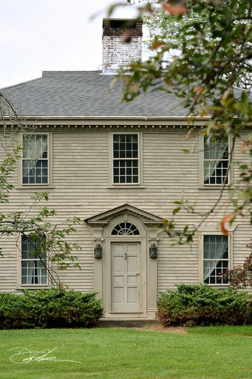 542 best saltbox colonial houses images on pinterest saltbox houses dream houses and for Federal style home exterior paint colors
