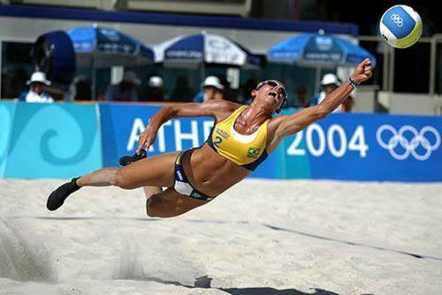 Почему мужчины любят женский пляжный волейбол