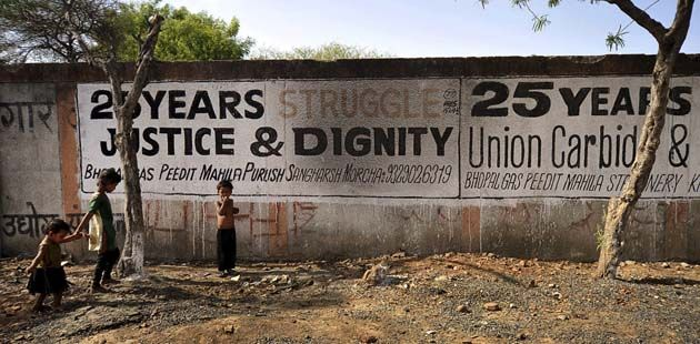Indians mark 30th anniversary of Bhopal disaster