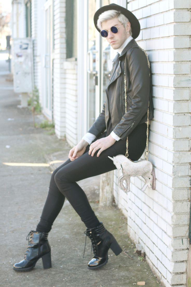 17 Best images about Elliott Alexzander on Pinterest | Feminine Busy street and Fashion