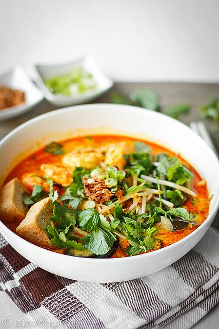 Malaysian prawn curry laksa - a perfect blend of creamy coconut milk, prawns and spices