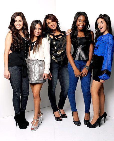 Fifth Harmony es tambien otra de mis Girl Bands favoritas, ojala que en uno de sus videos hagan colaboracion con Demi Lovato.