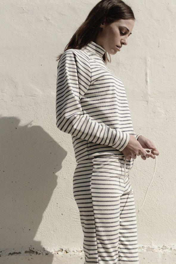 organic cotton sweatshirt & yogapants