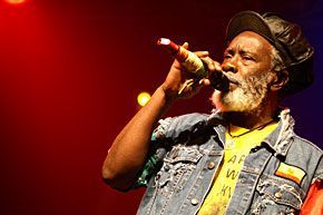 burning spear live | Burning Spear live zien: