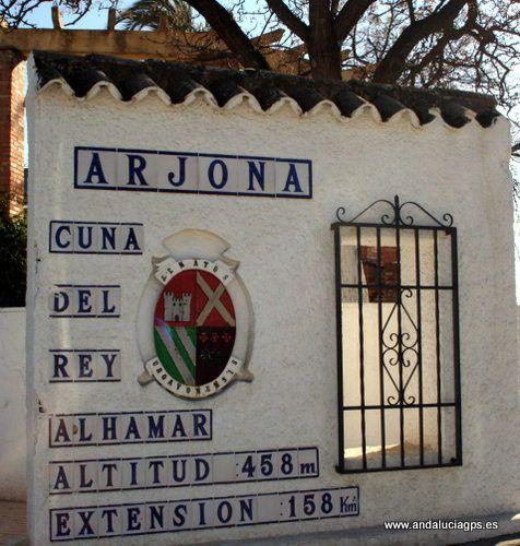 """#Jaén - #Arjona - Al-Ahmar - 37º 56' 15"""" -4º 3' 50"""" / 37.937500, -4.063889 Muhammad ibn Yusuf ibn Nasr Alhamar, fundador de la dinastía nazarí, nació en Arjona en 1195. Accedió al trono del último estado musulmán de la Península."""