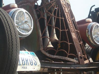 """HowStuffWorks """"Putting Together a Rat Rod"""""""
