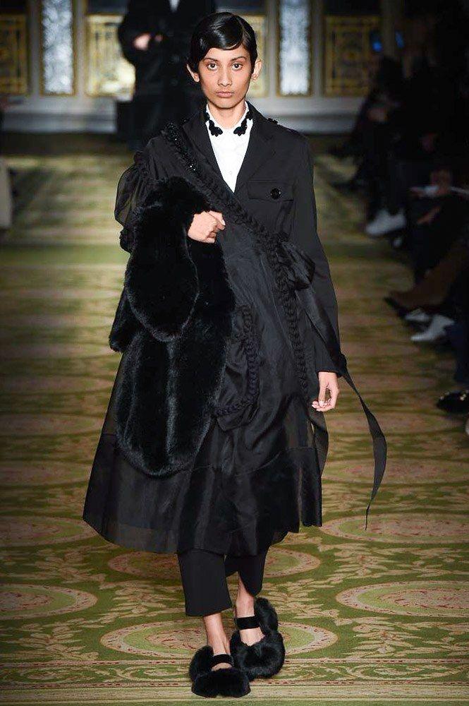 Simone Rocha Fall 2017 Ready-to-Wear Collection Photos - Vogue