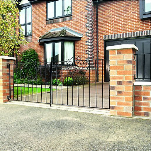 17 Best Ideas About Driveway Gate On Pinterest Screen