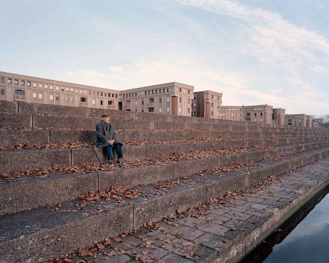 les Bâtiments délabrés oubliés dans Paris capturés par Laurent Kronental (12)