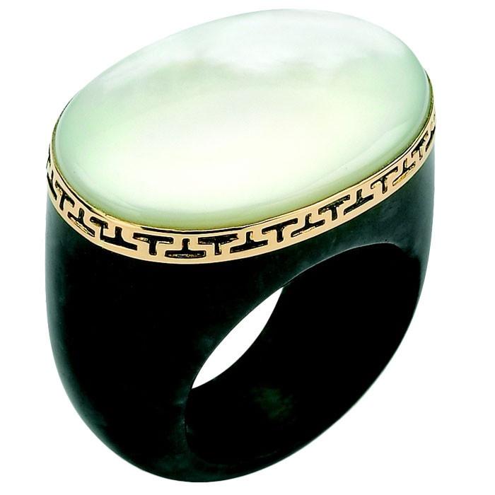 Mother-of-Pearl & Jade Ring...woah~~!