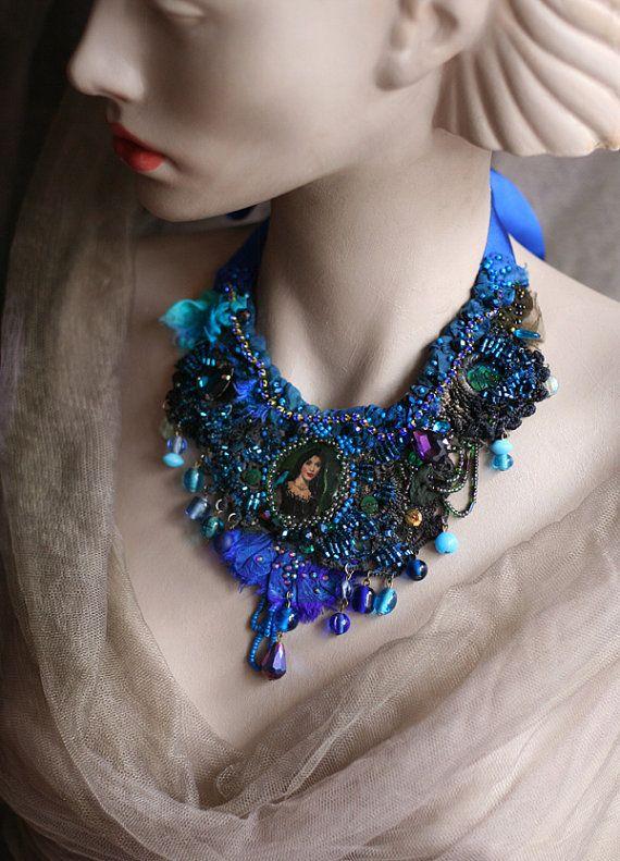 Bluebird   delicate beaded necklace from vintage  door FleurBonheur