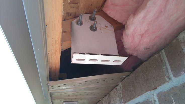 Rafter bracket for soffit mount.