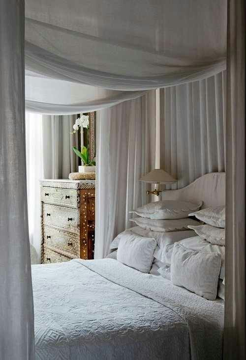 17 Best images about Curtain Beds & Etc. on Pinterest | Suzanne ...