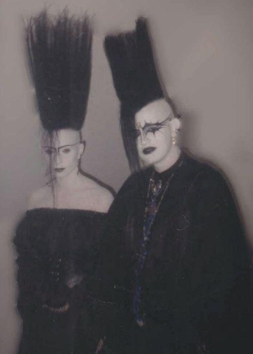 German Goths / Schwarzer / Grufties, late 80s † #goth #gothic #gothicsubculture #bighair #paleskin #tradgoth #oldschool #darksiders #German #Deutsche #Schwarzer #SchwarzerSzene #OG #GermanGoths #1980s